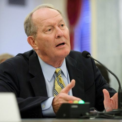 10864_lamar_alexander Senator Blasts Wind Energy Industry, PTC Phase-Out Proposal
