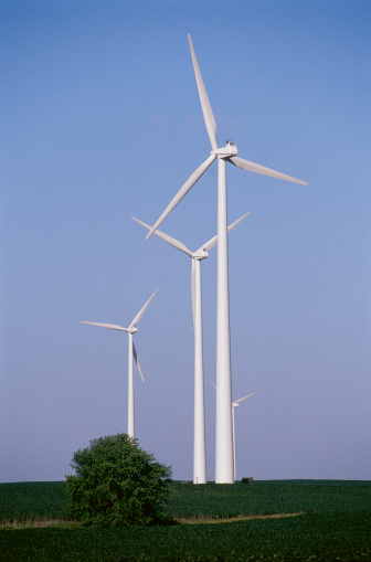 14434_thinkstockphotos-72967594 Report: Wind Could Generate More Than 40% Of Iowa's Electricity