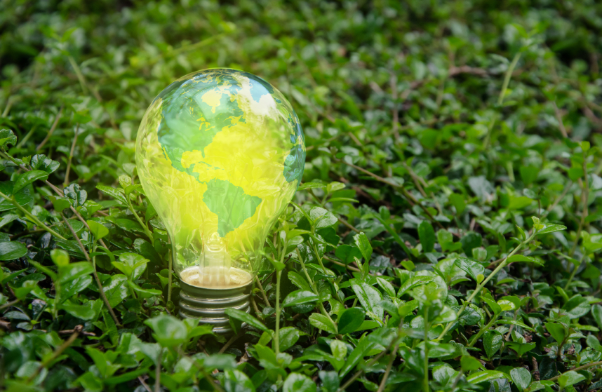 iStock_000025002013_Small UN-Backed Report: Global Investment In Renewables Hit Record Last Year