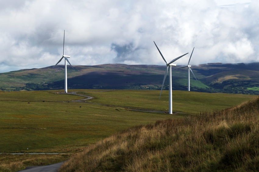 iStock_000049000086_Small I Squared Capital To Acquire Viridian Group, 1 GW Of Wind Capacity