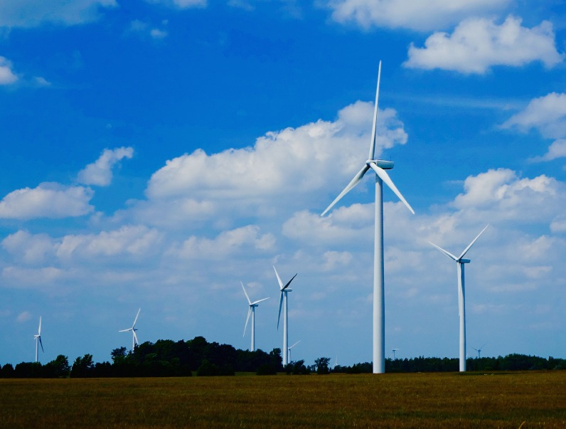 iStock_000080147685_Small Ontario Launches Second RFP Seeking 600 MW Of Wind Energy