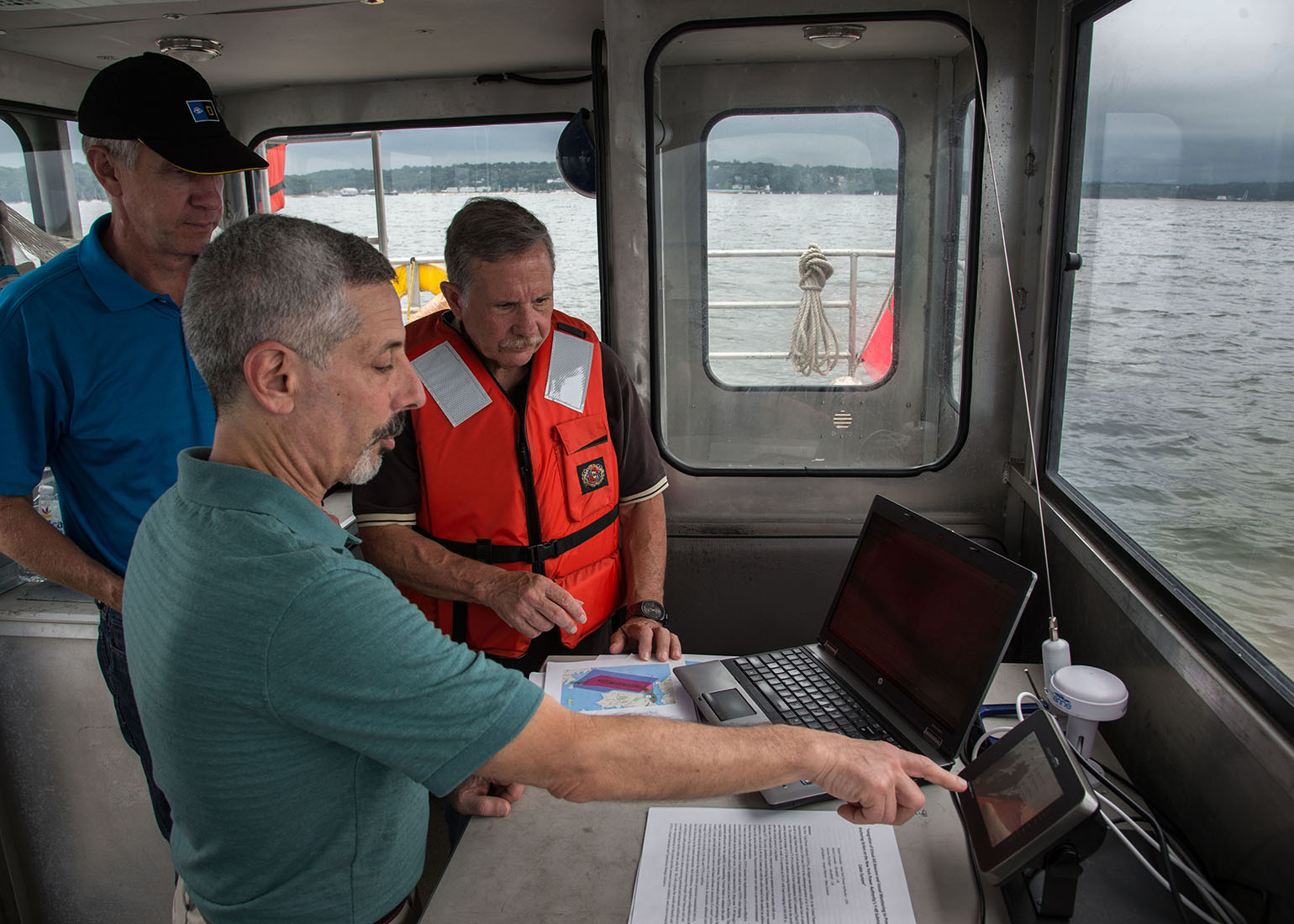 WatchMate NYPA Deploys System To Avoid Anchor Strikes ToUnderwater Transmission Cables