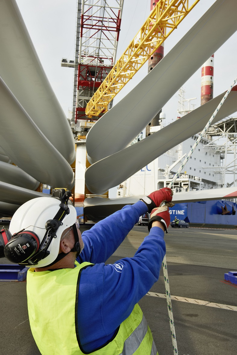 JOE140810_071_Bremerhaven Senvion Extends Contracts For Eastern U.S. Wind Farms