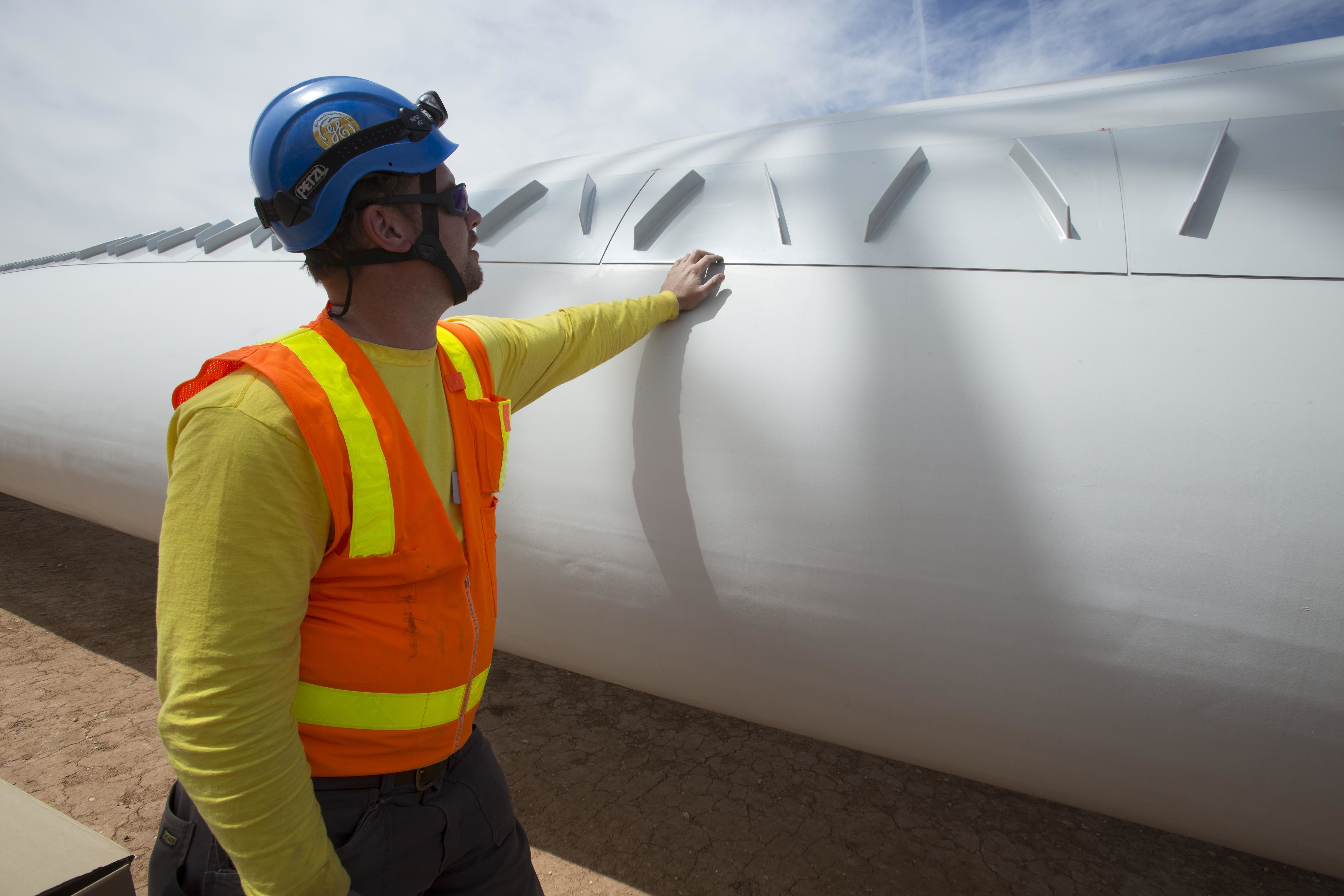 f460712b0afd8b21095936cd6e74993c Two Worlds Collide: GE, Juhl Energy Building Hybrid Wind-Solar Project