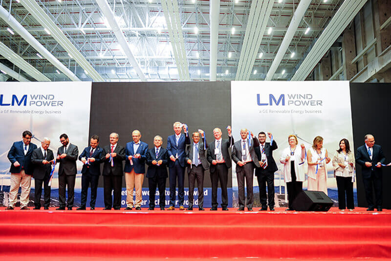 lm-wind-power-1 GE's LM Wind Power Cuts Ribbon On Newest Blade Factory