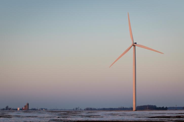 ThinkstockPhotos-117736836 DTE Energy Investigating Broken Turbine Blade In Michigan