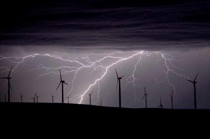 iStock_000021058761_Small Vaisala, Pattern Energy Strike Lightning Data Deal
