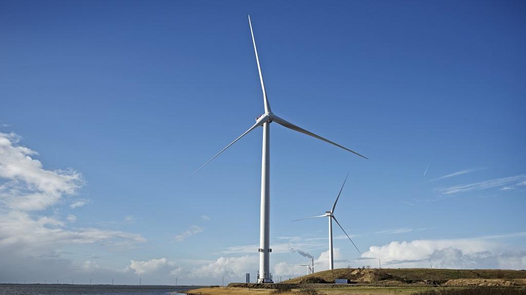 Måde MHI Vestas Installs Powerful V164-8.0 MW Turbines In Offshore-Like Site