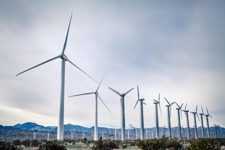 ThinkstockPhotos-498185770 Blattner Touts Installed Wind Power Milestone For North America
