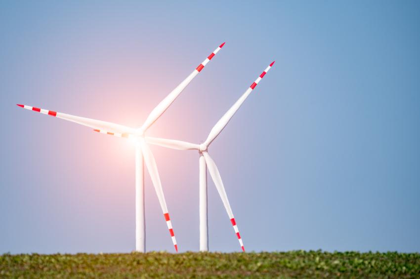 iStock_000090932809_Small AWEA's Annual WINDPOWER Shows 'Wind Is Winning'