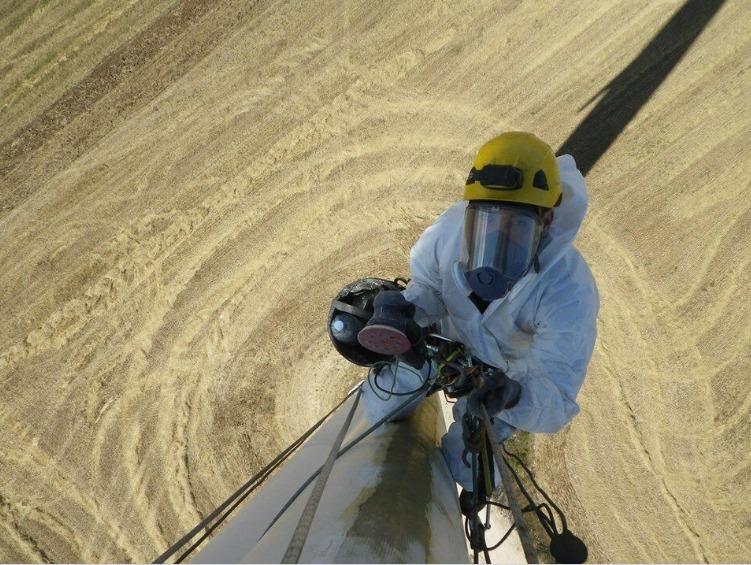 technician Turbine Manufacturer Employs Altitec For Blade Inspection, Repair
