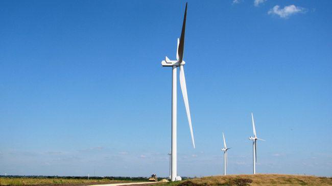 2-9-17Frontierunderconstruction_mid Duke Energy Renewables' First Okla. Wind Farm Begins Operations