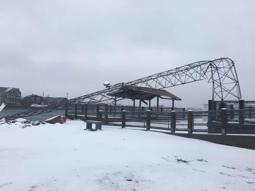 C649FouW0AEdSWq.jpglarge-1024x768 Wind Turbine Goes Down In Snowy Rhode Island