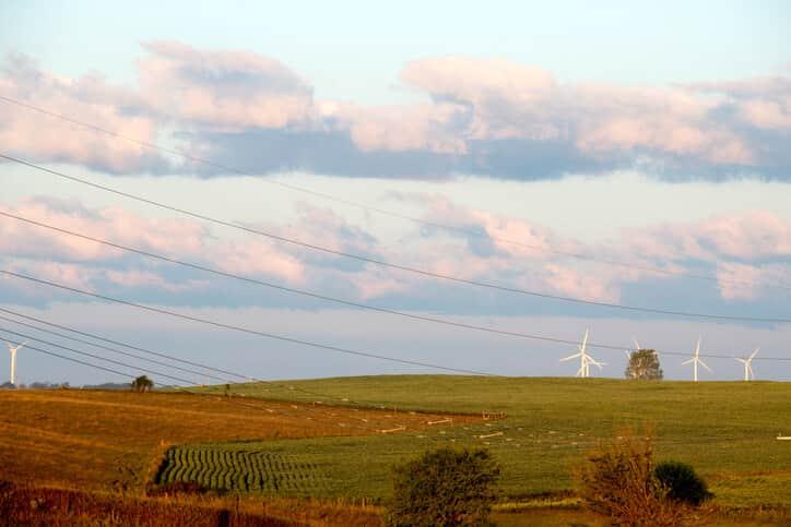 iowa-wind-turbines-1 Alliant Energy Seeks Approval For Half-Gigawatt Wind Expansion